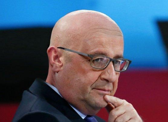 Tiền cắt tóc của Tổng thống Pháp hết 247 triệu/tháng - 3