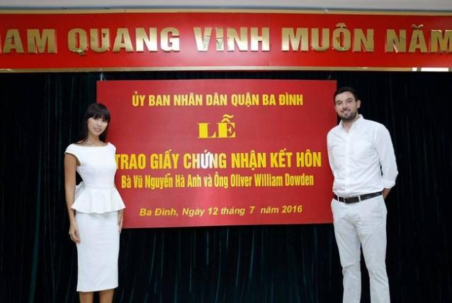 Quận Ba Đình nói gì về lễ đăng ký kết hôn của siêu mẫu Hà Anh - 2