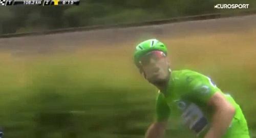"""Cua-rơ đã """"tè bậy"""" còn chửi phóng viên ở Tour de France - 1"""