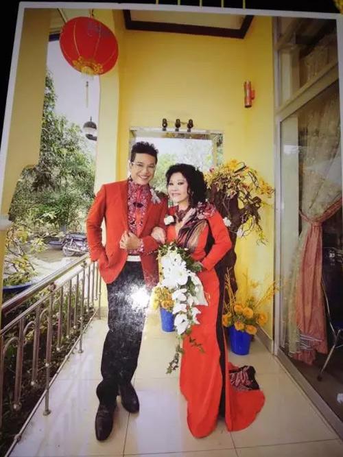 MC Thanh Bạch bất ngờ kết hôn với bà chủ Thúy Nga Paris - 2