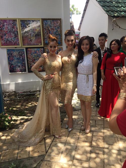 MC Thanh Bạch bất ngờ kết hôn với bà chủ Thúy Nga Paris - 7