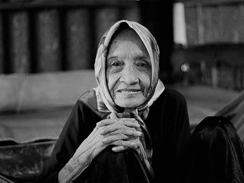 Những hình ảnh cuối đời của cụ bà cao tuổi nhất thế giới - 1