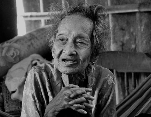 Những hình ảnh cuối đời của cụ bà cao tuổi nhất thế giới - 2