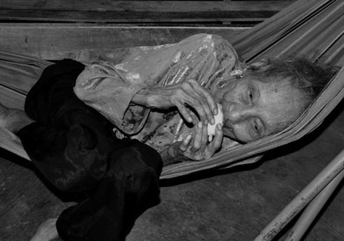 Những hình ảnh cuối đời của cụ bà cao tuổi nhất thế giới - 6