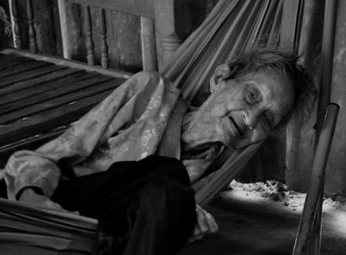 Những hình ảnh cuối đời của cụ bà cao tuổi nhất thế giới - 9
