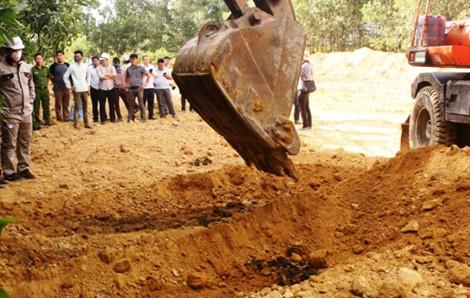 Khai quật 267 tấn chất thải Formosa đưa đi xử lý - 1