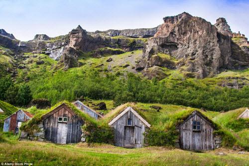Những ngôi nhà mái cỏ đẹp như tranh vẽ ở Iceland - 5