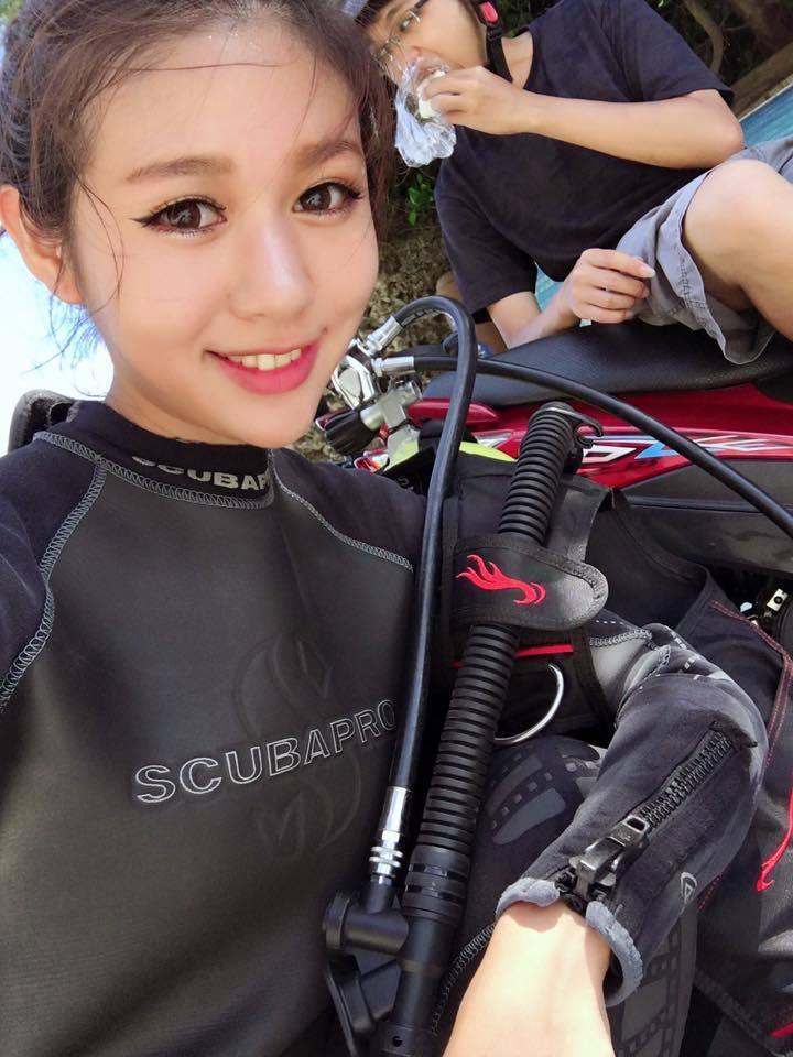 Nữ thợ lặn xinh nhất quả đất khiến dân mạng điên đảo - 1
