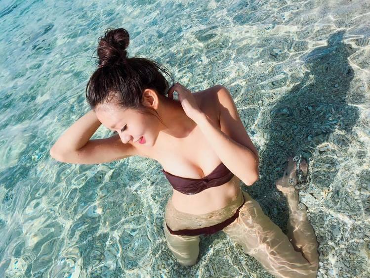 Nữ thợ lặn xinh nhất quả đất khiến dân mạng điên đảo - 8