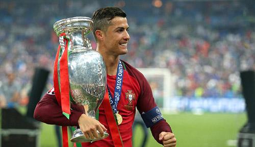 Không có Ronaldo, Real vẫn là đội bóng hùng mạnh - 1