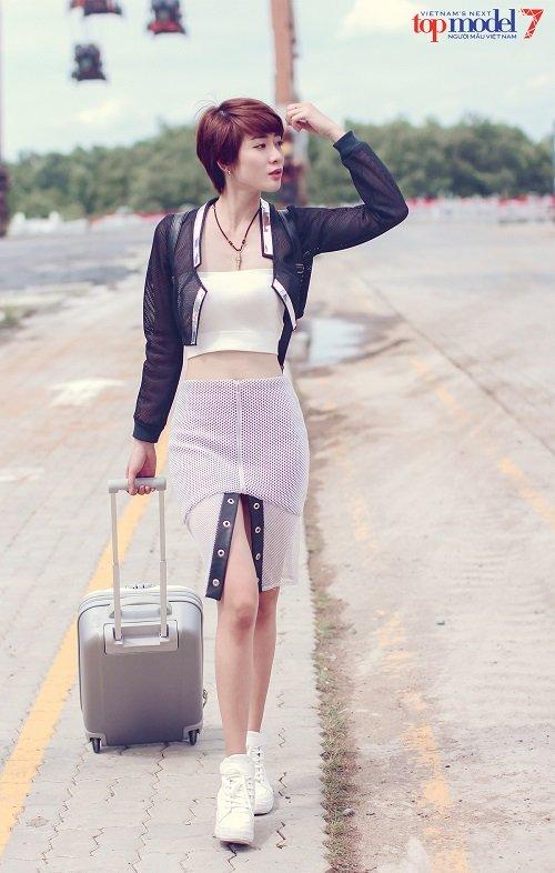 Thí sinh Vietnam's Next Top Model khoe street style cực ngầu - 4