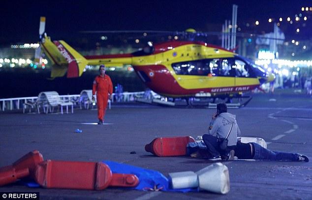 Pháp: 7 vụ khủng bố, 230 người chết trong 18 tháng - 1