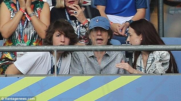 Rocker 72 tuổi có con thứ tám với vợ 29 tuổi - 5