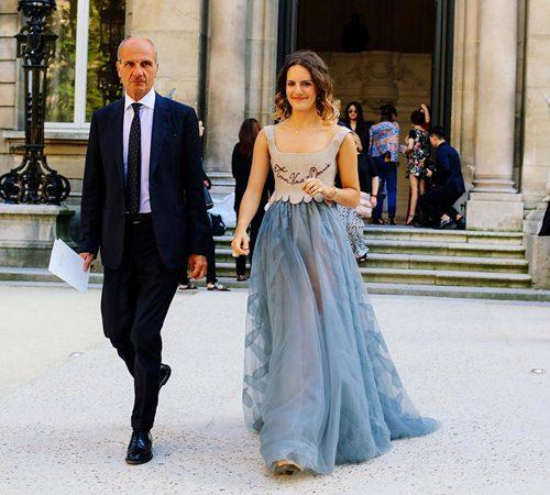 Mặc đẹp đẳng cấp như những quý cô Paris đi xem thời trang - 2