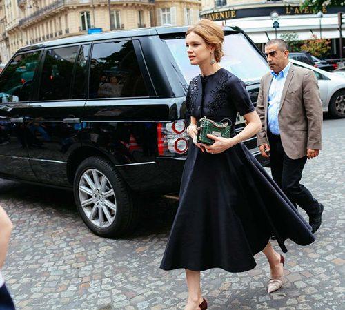 Mặc đẹp đẳng cấp như những quý cô Paris đi xem thời trang - 10