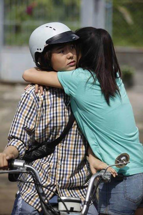 Video phim: Minh Hằng cởi áo khoe thân trước Nhã Phương - 1