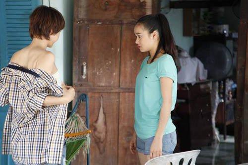 Video phim: Minh Hằng cởi áo khoe thân trước Nhã Phương - 3