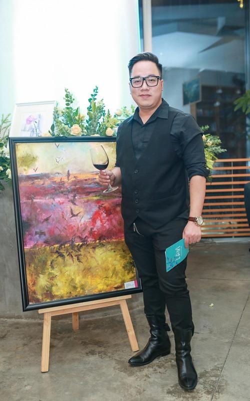 MC Thùy Minh khoe bụng bầu gần 8 tháng - 5