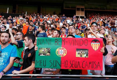 Nani đánh võ dân tộc chào sân Valencia - 2