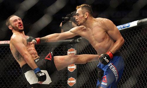 """UFC: Không tập vẫn đấu, bị đánh """"thân tàn ma dại"""" - 1"""