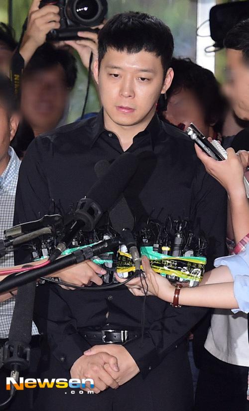 Park Yoochun xin lỗi vì scandal xâm hại tình dục, mua dâm - 1