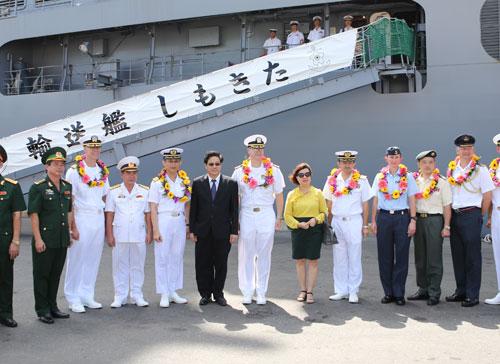 Tàu Hải quân Nhật và Hoa Kỳ cập cảng Tiên Sa - 3
