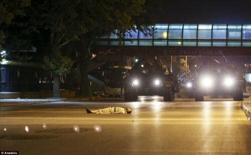 Cảnh dữ dội trong cuộc đảo chính ở Thổ Nhĩ Kỳ - 6