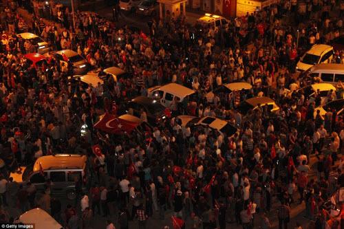 Cảnh dữ dội trong cuộc đảo chính ở Thổ Nhĩ Kỳ - 15