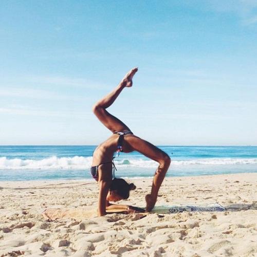 Ngất ngây với thân hình siêu mẫu của cô nàng mê yoga - 9