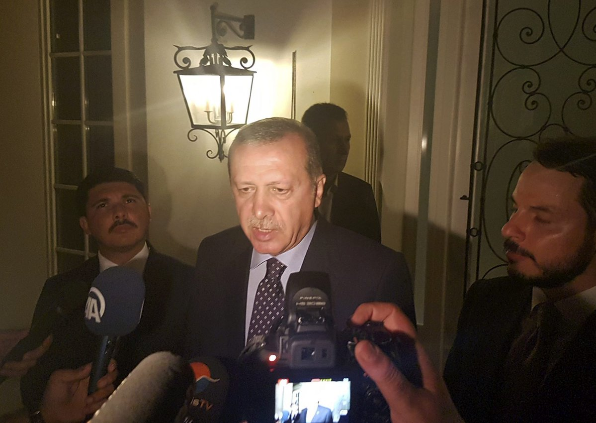 TT Thổ Nhĩ Kỳ tuyên bố đè bẹp đảo chính, bắt 2.800 người - 8