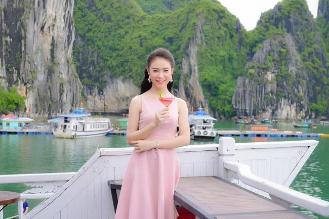 Thí sinh HHVN sang chảnh dạo chơi vịnh Hạ Long - 8