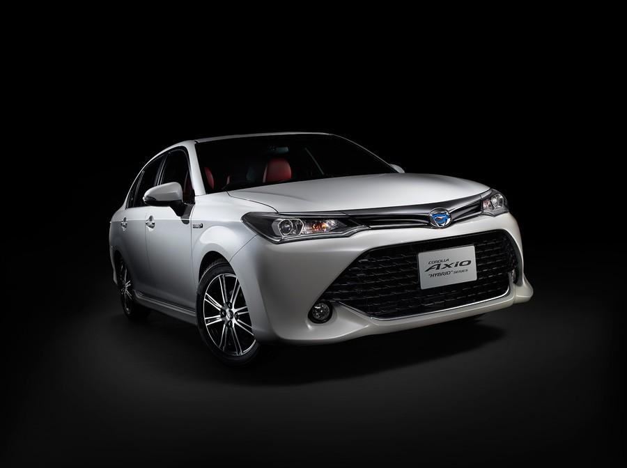 Toyota ra mắt Corolla Axio Hybrid G 50 bản đặc biệt - 2