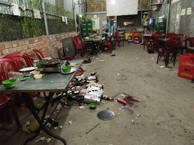 Ẩu đả tại quán nhậu trong đêm, 3 người thương vong - 1