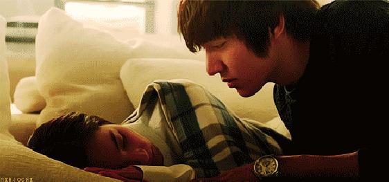 7 nụ hôn lãng mạn nhất màn ảnh của Lee Min Ho - 3