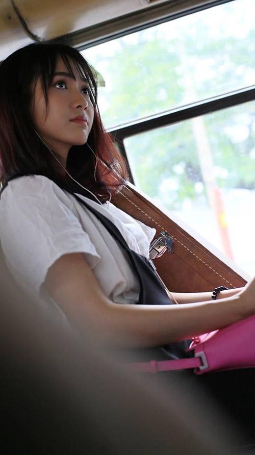 Gặp cô gái bất ngờ nổi tiếng vì bị quay lén trên buýt - 3