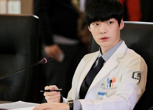 Vợ chồng Goo Hye Sun ấn tượng trong phim về ma cà rồng - 3