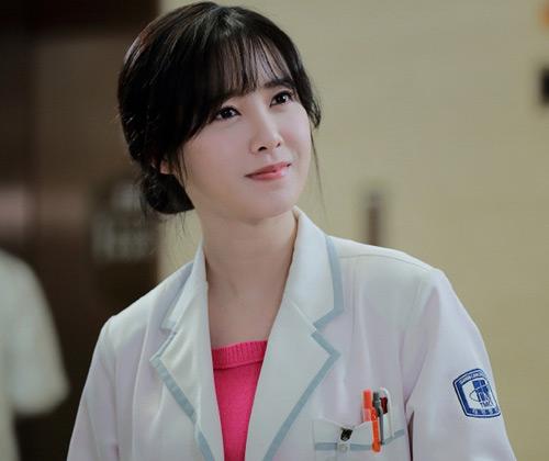 Vợ chồng Goo Hye Sun ấn tượng trong phim về ma cà rồng - 2