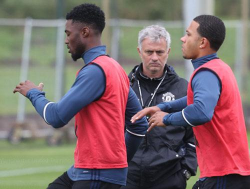 Mục tiêu MU - Mourinho: Vô địch hay vào top 4 - 1