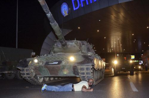 """Lực lượng """"ghê gớm"""" nhất đập tan đảo chính Thổ Nhĩ Kỳ - 2"""