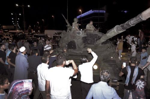"""Lực lượng """"ghê gớm"""" nhất đập tan đảo chính Thổ Nhĩ Kỳ - 5"""
