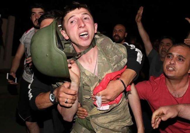 """Lực lượng """"ghê gớm"""" nhất đập tan đảo chính Thổ Nhĩ Kỳ - 7"""