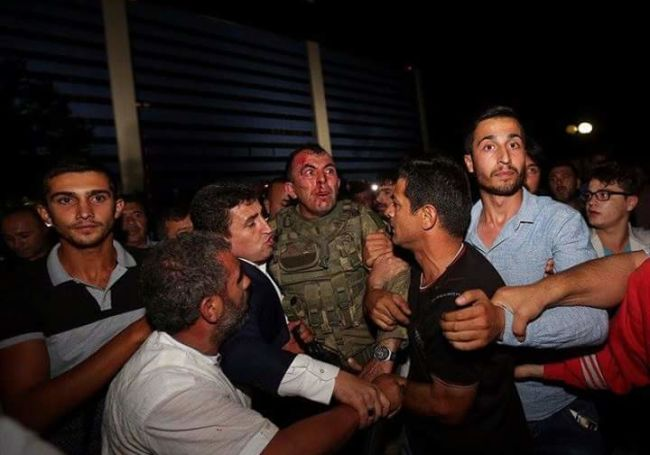 """Lực lượng """"ghê gớm"""" nhất đập tan đảo chính Thổ Nhĩ Kỳ - 8"""