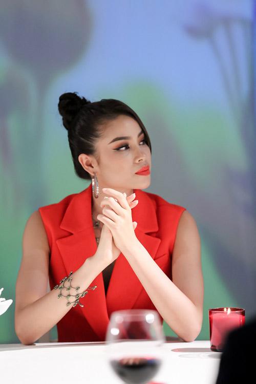 """Quỳnh Mai """"siêu vòng 3"""" đánh bật An Nguy ở The Face - 10"""