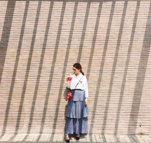 Váy xếp tầng và bản lĩnh cô nàng mặc đẹp - 4