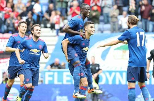 Mourinho, tân binh ra mắt MU: Ánh sáng của niềm tin - 1