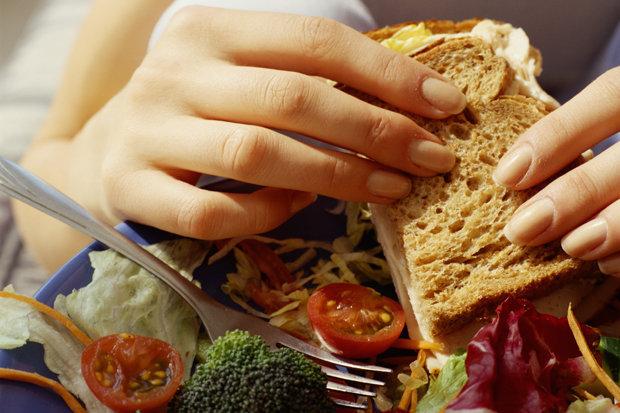 8 món ăn tưởng tốt thực chất lại gây béo, da mụn - 2