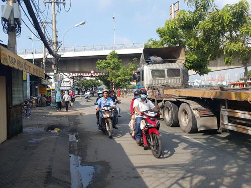 Truy sát kinh hoàng giữa Sài Gòn, 2 thanh niên tử vong - 1