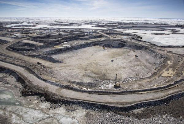 Săn kim cương dưới lớp băng sâu tại Canada - 2