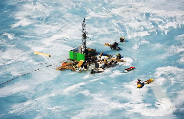Săn kim cương dưới lớp băng sâu tại Canada - 1