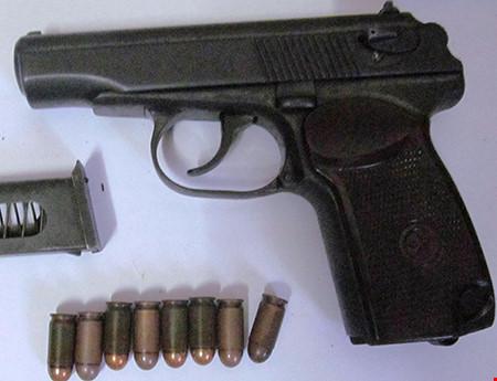 Thu giữ 3 khẩu súng của trung tá Campuchia bắn chết chủ tiệm vàng - 2